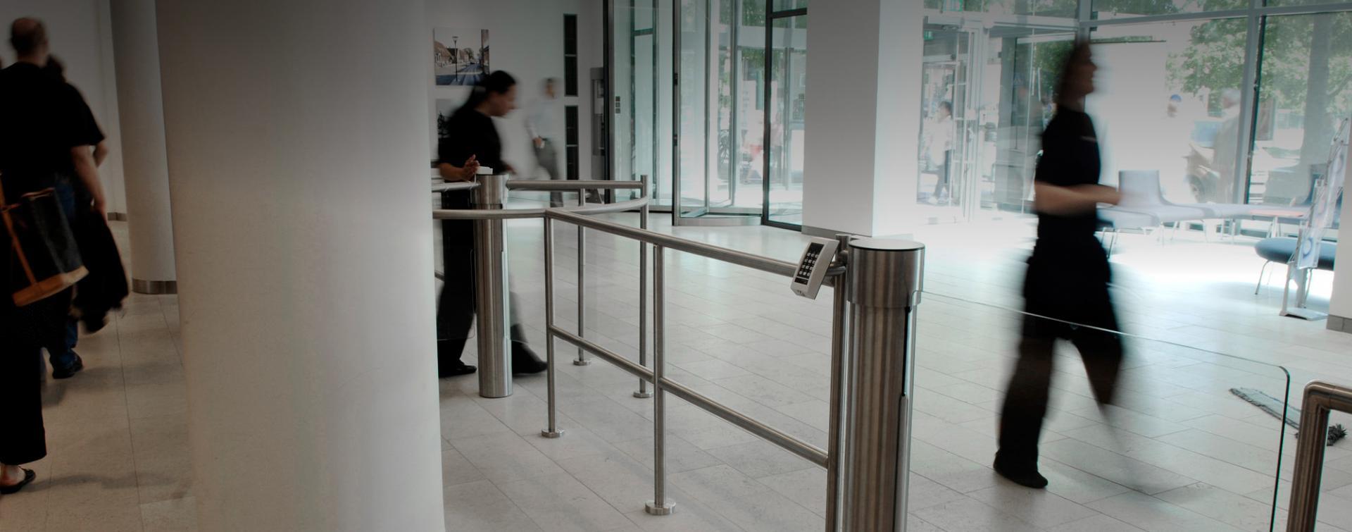 henfor-acceso-peatonal-libre